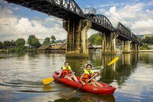 Besuchen Brücke über den Fluss Kwai