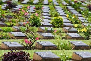 Besuchen sie den Kanchanaburi Kriegsfriedhof