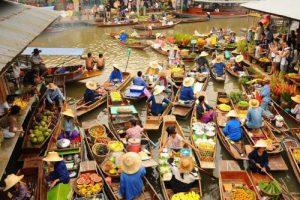 Schwimmende Markttour